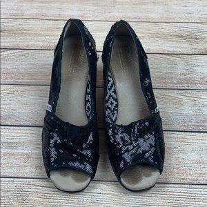 3c19ef1accf Toms · Toms Peep Toe Wedge Black Sequin Sandals 8.5
